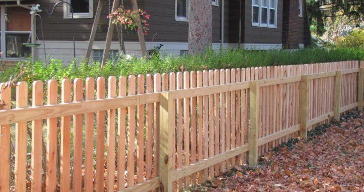Dog ear natural picket fence installer